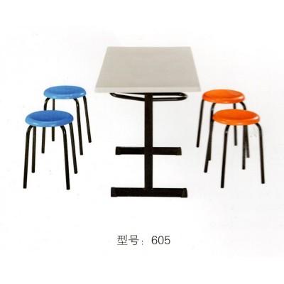 食堂连体快餐桌学校公司餐厅连体餐桌钢制快餐桌椅组合华宇家具